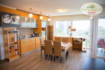 Living Apartament Evergreen Mamaia sud