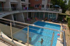 piscina St Vlas Mamaia din curtea interioara